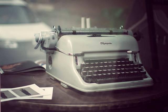 vintagetypewriter